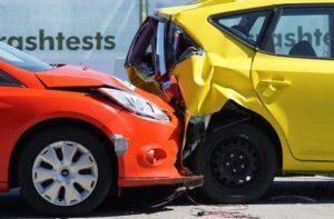 Sachschaden an zwei Fahrzeugen nach Unfall
